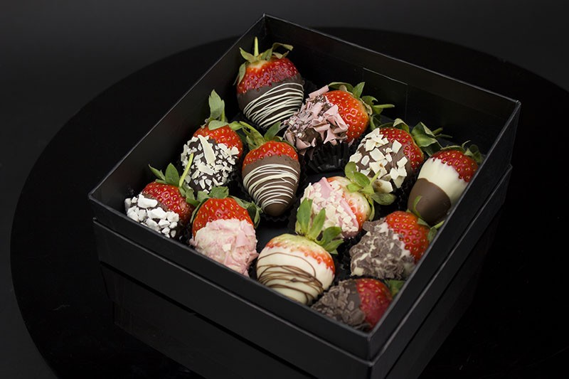 12 Luxury Chocolate Dipped Strawberries Valentines Day Gifts