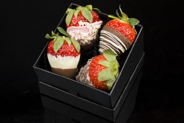 Add 4 Luxury Chocolate Dipped Strawberries