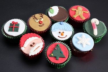 Santa's Christmas Cupcakes - Box of 9