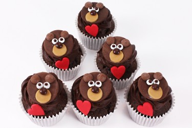 Bear Hugs Cupcakes - Box of 9