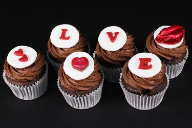 Sealed with a Kiss Cupcakes - Box of 6
