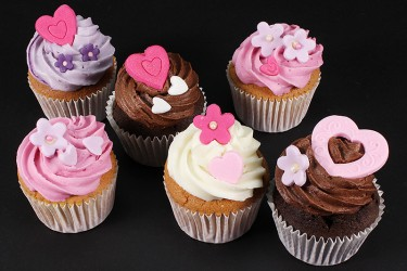Hearts and Flowers Cupcakes - Box of 6